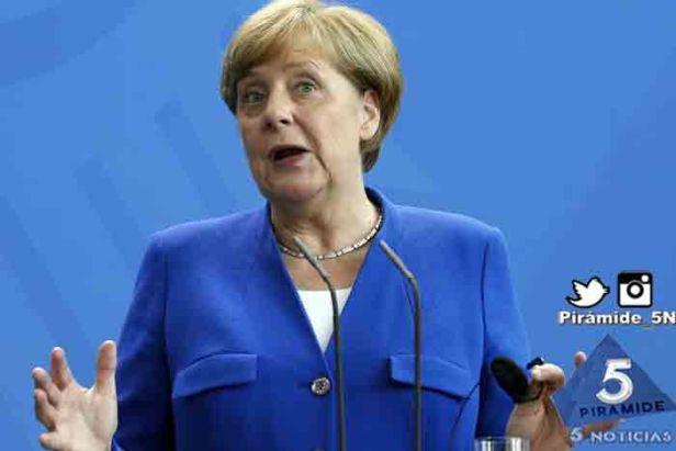 Piramide5N- Angela Merkel decla 3
