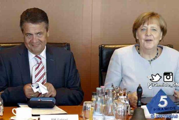 Piramide5N- Angela Merkel Gabri