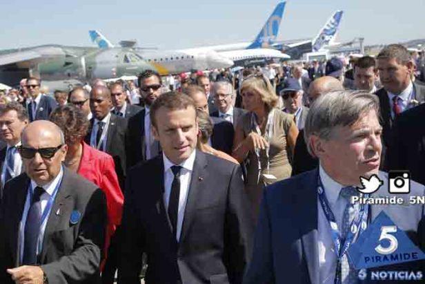 Piramide5N- Fran Macron aviones 1