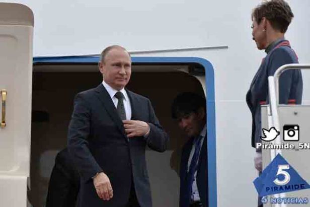 Piramide5N- Putin avion