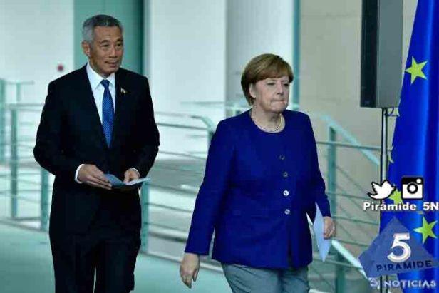 Piramide5N- Angela Merkel singa 0