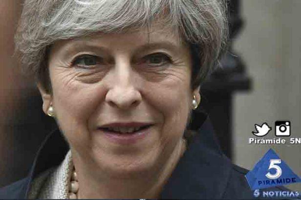 Piramide5N- Theresa May ca 02