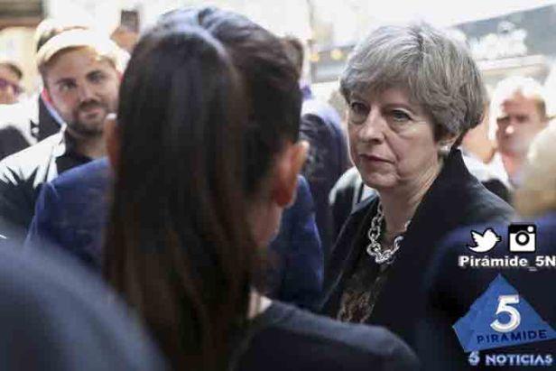Piramide5N- Theresa May run 06